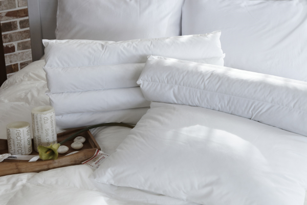 cette table guéridon style industriel peut également être utilisée dans un environnement plus personnel comme votre chambre à coucher.