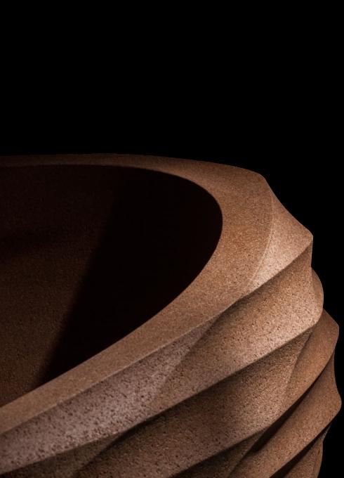 Découvrez tous les avantages du liège, le matériau principal utilisé pour produire cette baignoire îlot design