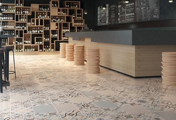 il vous donne la possibilité d'intégrer des tabourets de bar design ou des chaises hautes dans le design de votre intérieur.