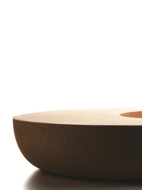 Découvrez tous les avantages du liège, le matériau principal utilisé pour produire ce bol design