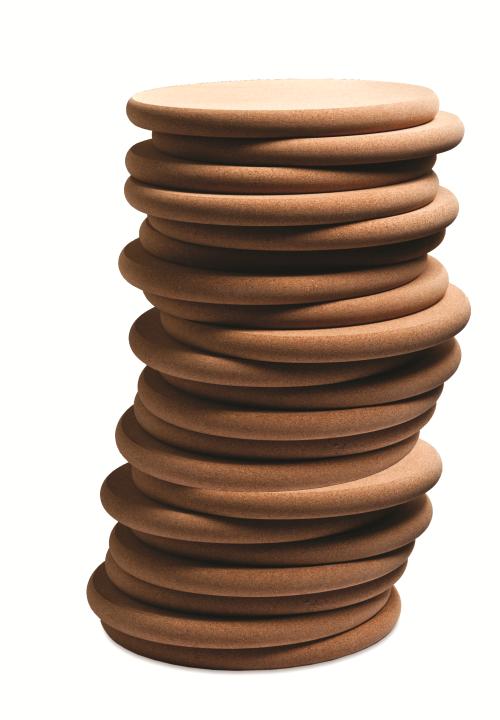 Découvrez tous les avantages du liège, le matériau principal utilisé pour produire ce tabouret design
